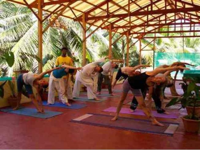 Асаны для йоги на природе